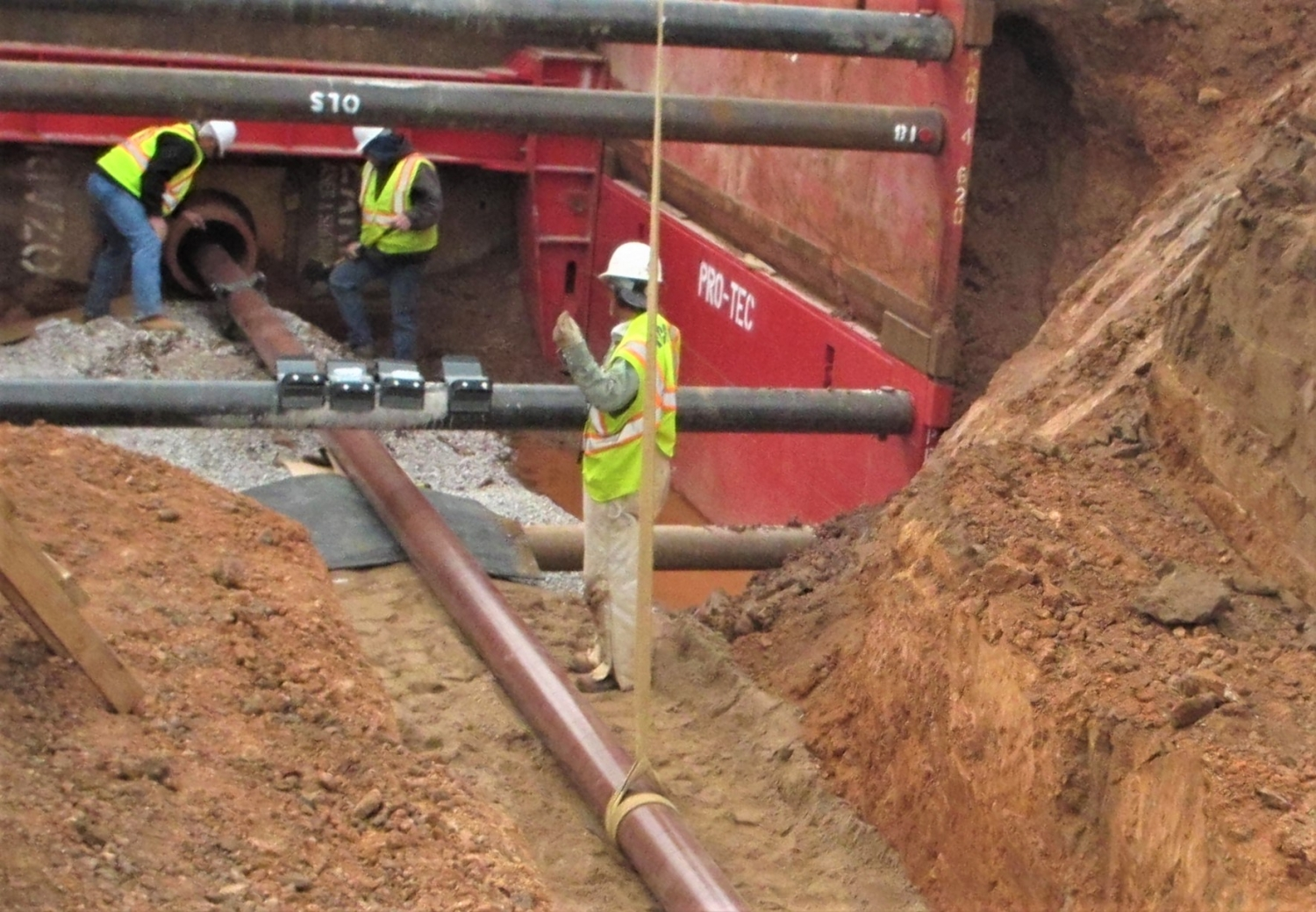 Laying the fuel transfer pipeline