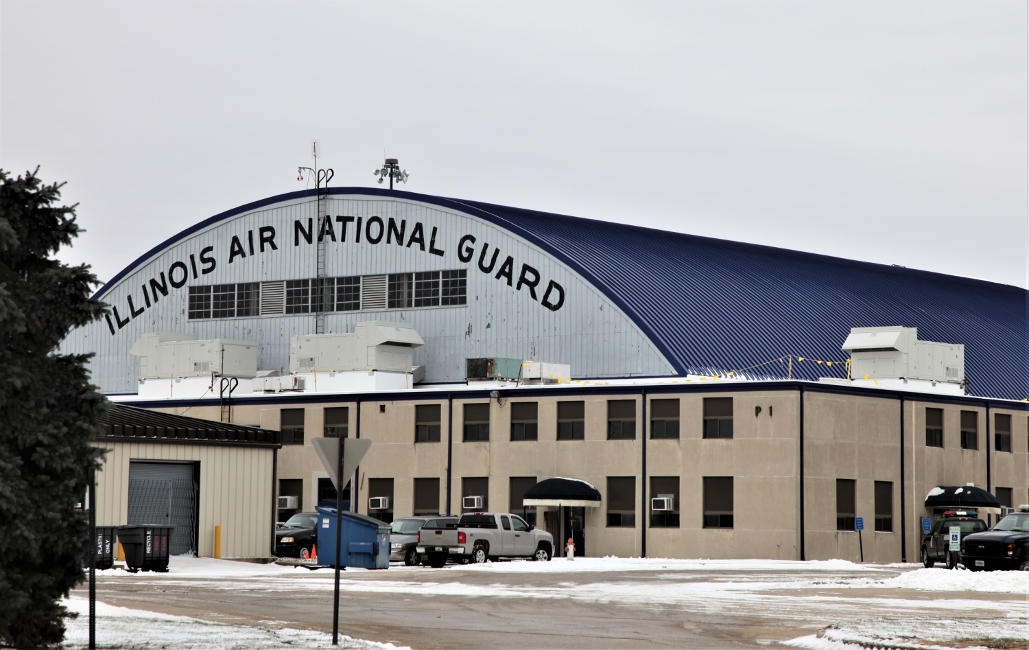 F-16 maintenance hangar facility